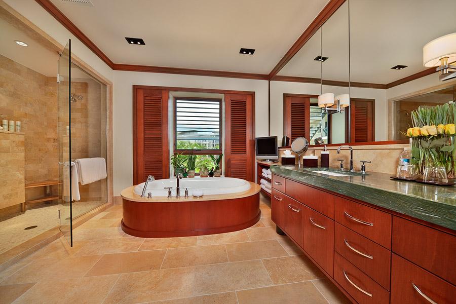 The Oceanview King Size Master Bedroom Bathroom