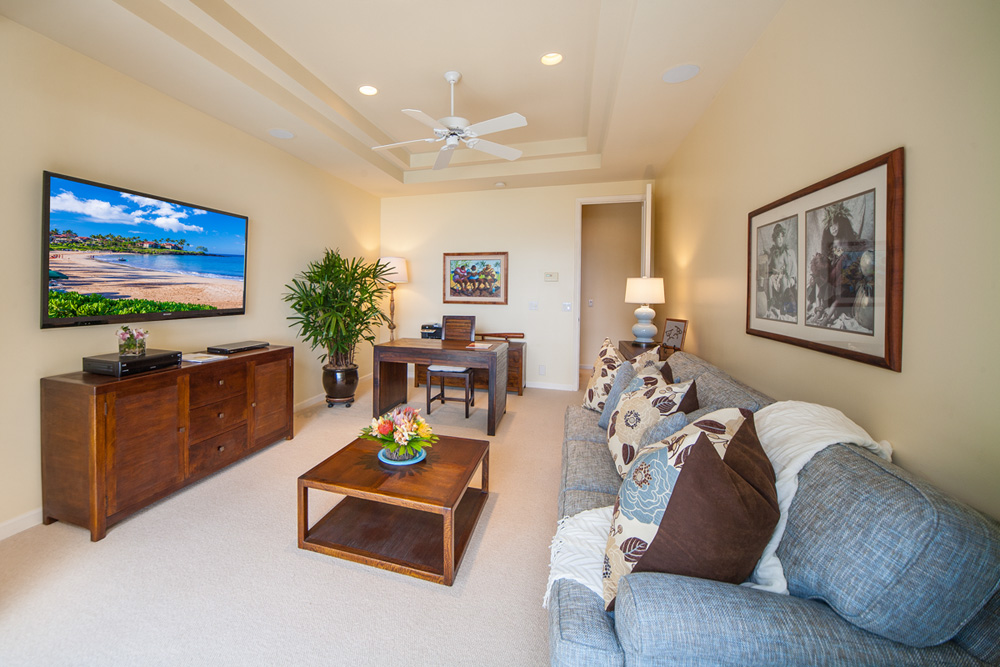 Opal Seas At Baby Beach - Poolside Office and Den with Extra Large Flat Panel...