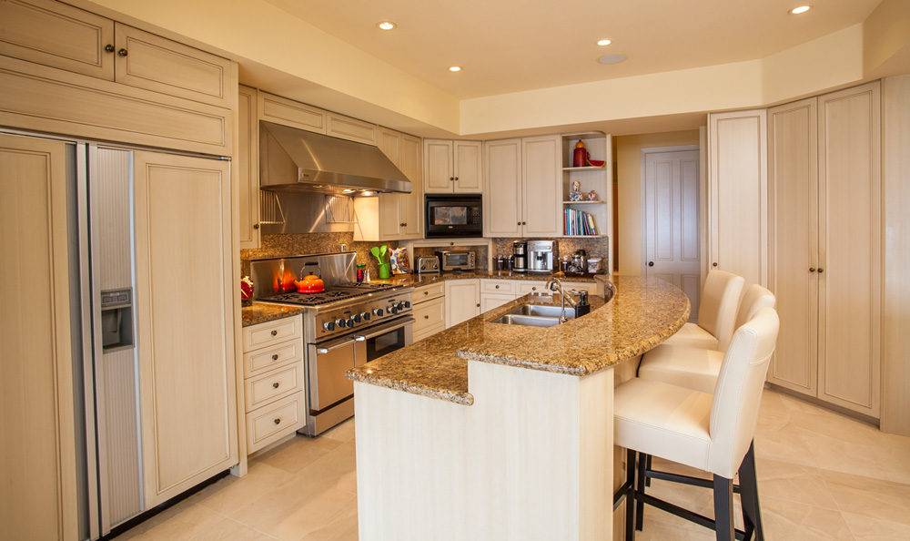 Opal Seas At Baby Beach - Poolside Kitchen with Fabulous Gas Range Wine...