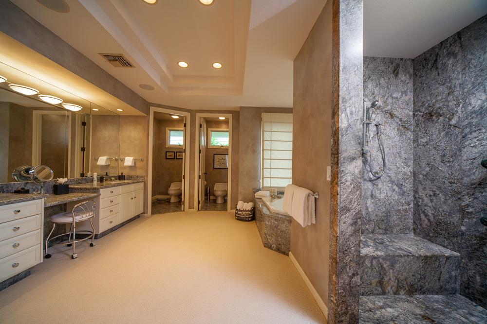 Master Bedroom En-suite Bath