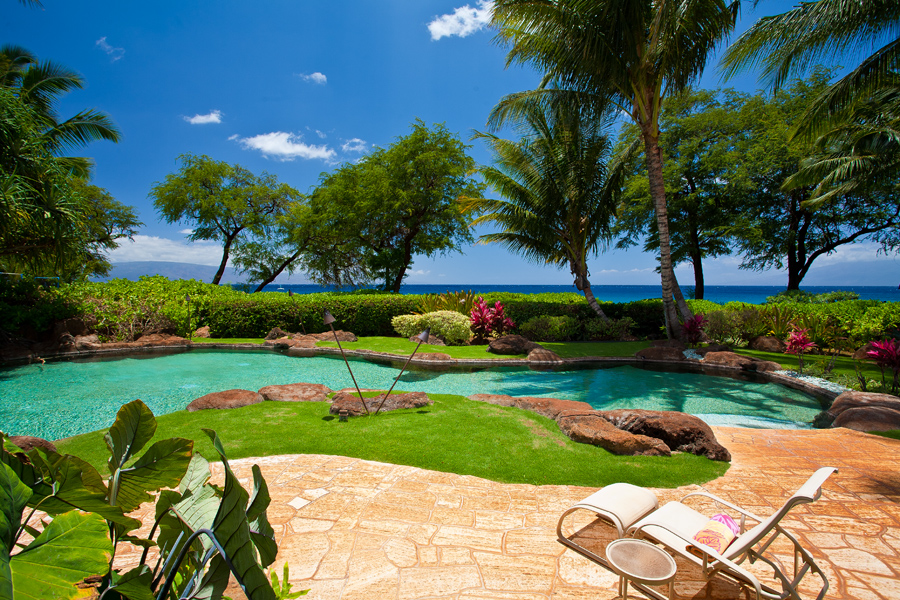 sea shells beach house private beachfront home on kaanapali beach. Black Bedroom Furniture Sets. Home Design Ideas