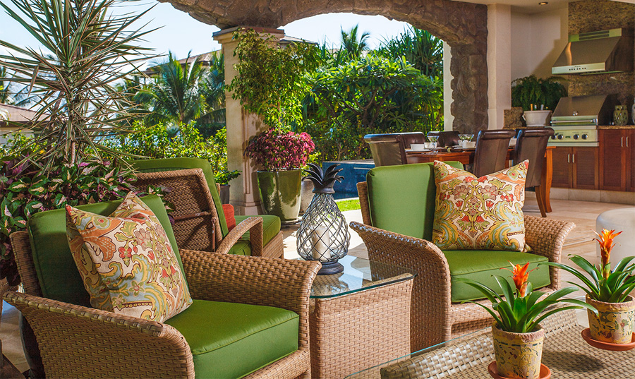 True Indoor/Outdoor Living with Covered Veranda, Plunge Pool, Lawn and Garden