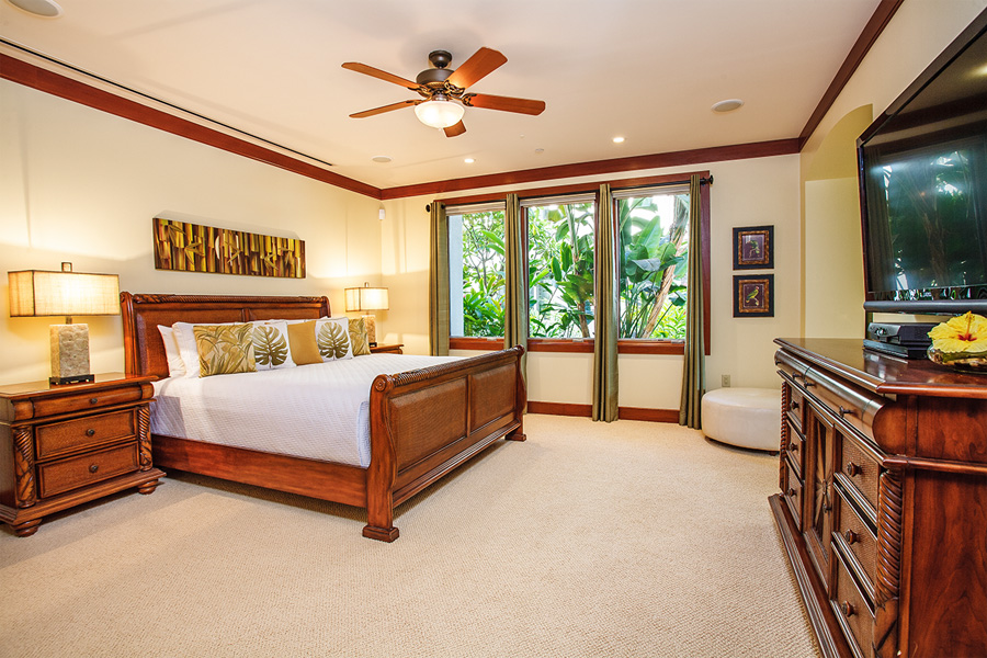 Second Master Bedroom w/King Bed and Flat Panel TV