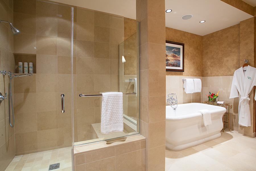 Master En-Suite Bath with Separate Glass Shower
