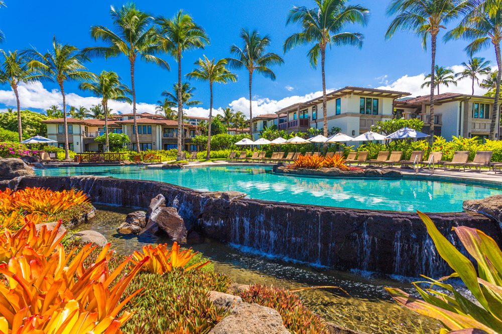 Beach Front Adult Infinity-Edge Heated Swimming Pool set Directly Wailea Beach