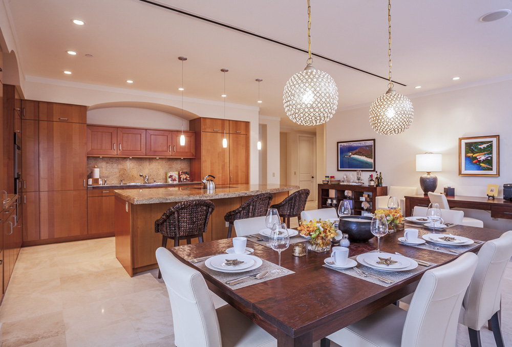 Indoor Dining with a Fully Equipped Kitchen