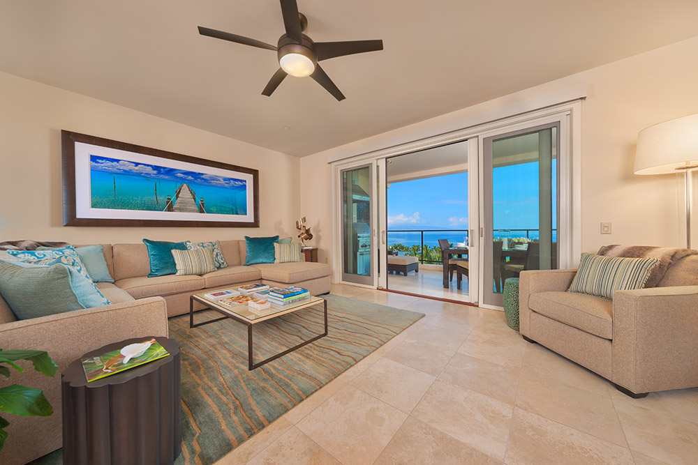 J405 Sea Breeze Suite Expansive Great Room