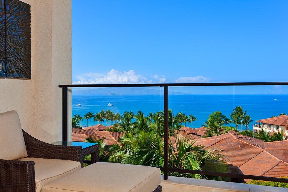 Panoramic Ocean Views from J405 Sea Breeze Suite