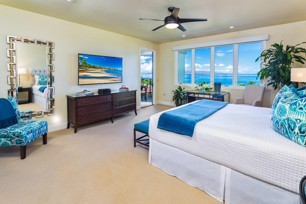 Master Direct Ocean Patio Access, King Bed, Desk