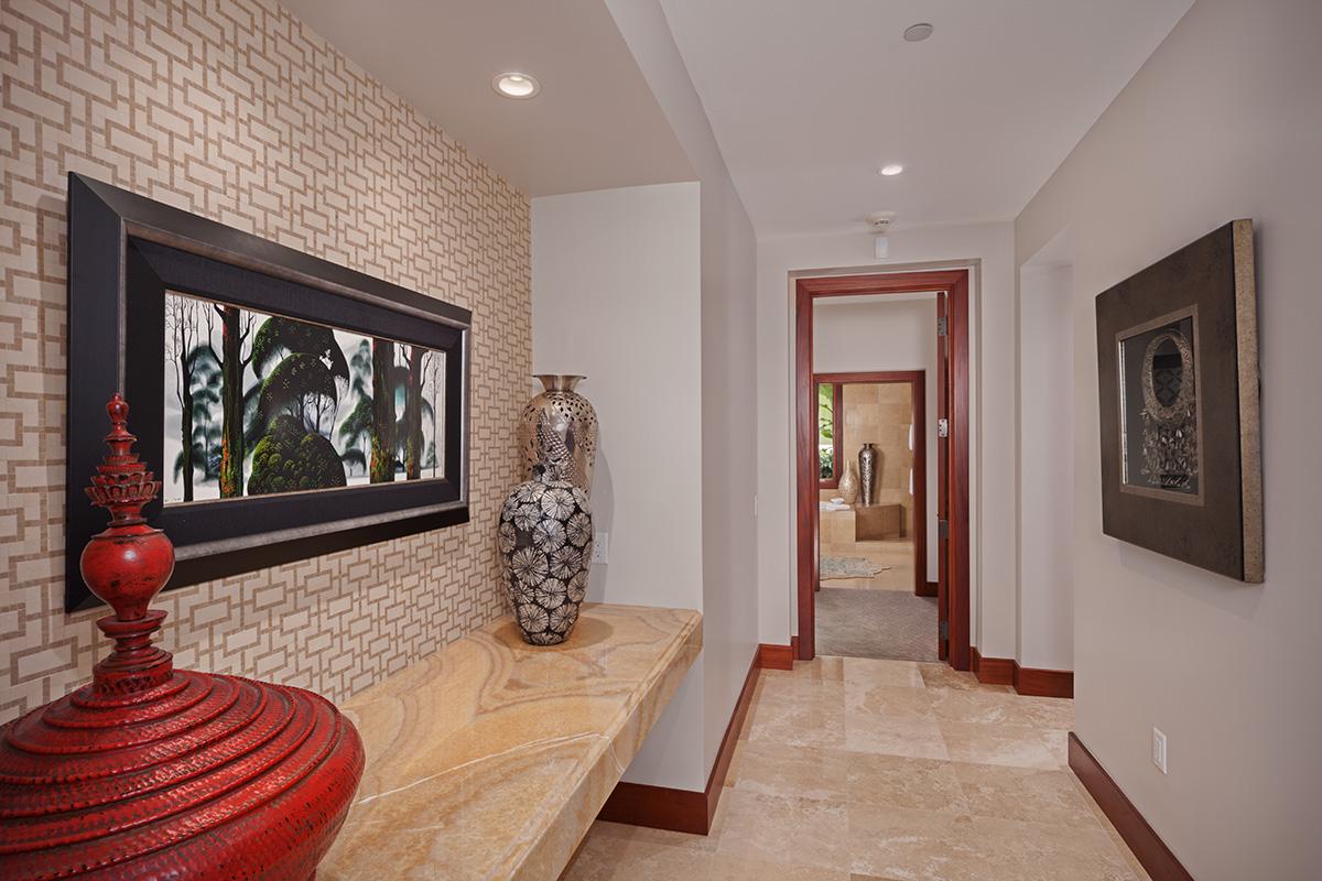 Entrance Hallway Leading Into Coco Palms Pool Villa D101
