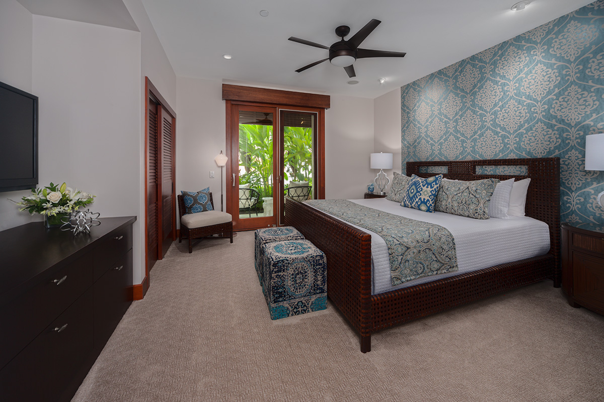 Coco Palms Pool Villa D101 - Third Bedroom with King Bed and En-Suite Bath