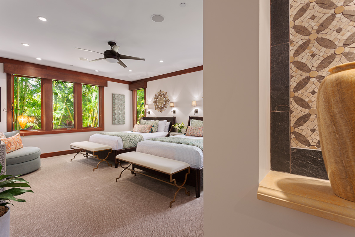 Second Master Bedroom with Two Queen Beds and private En-suite Bath