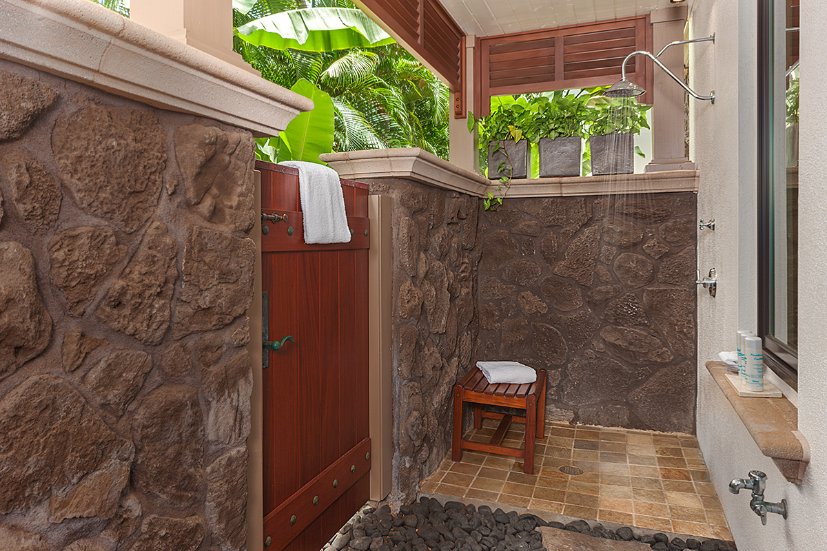 Coco Palms Pool Villa D101 - Private Outdoor Shower Grotto Off Master Bedroom